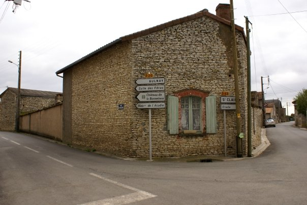 Aulnay Signs