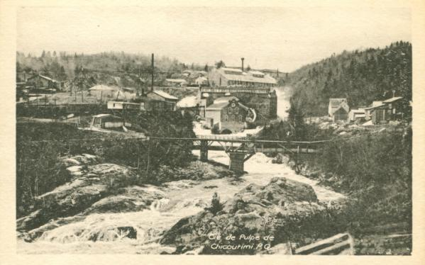 Vintage postcard of a pulp mill in Chicoutimi, Quebec (Saguenay-La-St-Jean)