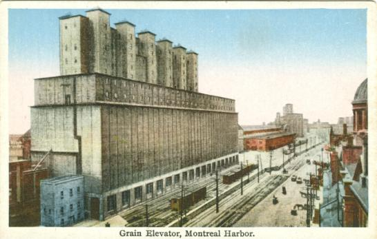 Historical Images of Montreal   Canadian Family
