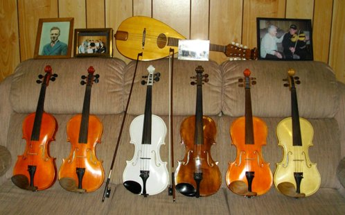 Les Violons de David Theriault  Image Prop Suzanne Theriault a David a Thomas a Philippe