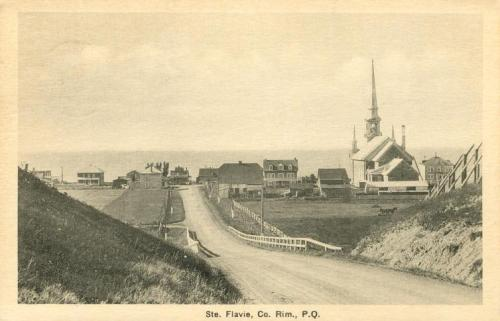 Eglise Ste-Flavie  (Mont-Joli, Bas-St-Laurent, QC) | Historic image of original church burned down in 1948