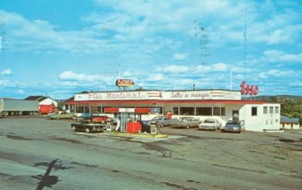 vintage motel, hotel, Quebec postcard, Canadian Family