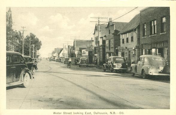 Main Street | 1950s retail | classic cars | vintage