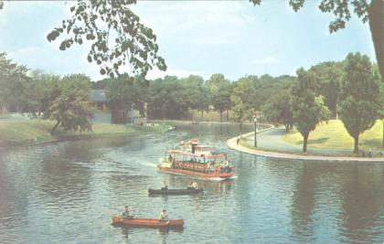 vintage postcard of Montreal's Parc Lafontaine | history of Montreal