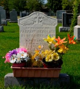 Beaulieu Parfait Headstone