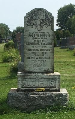 Headstone: DUPUIS  | Cimetière de la Paroisse Saint-Clément, Beauharnois  | Quebec Cemeteries