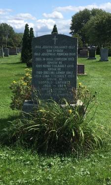 Headstone: PRIMEAU  | Cimetière de la Paroisse Saint-Clément, Beauharnois  | Quebec Cemeteries