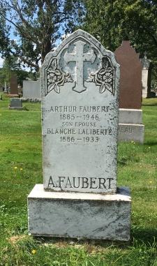 Headstone: LALIBERTE | Cimetière de la Paroisse Saint-Clément, Beauharnois  | Quebec Cemeteries
