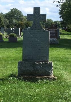 Headstone: GAUDREAU  | Cimetière de la Paroisse Saint-Clément, Beauharnois  | Quebec Cemeteries