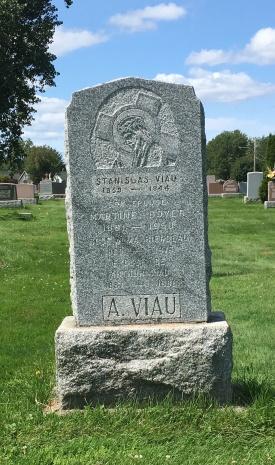 Headstone: VIAU | Cimetière de la Paroisse Saint-Clément, Beauharnois  | Quebec Cemeteries