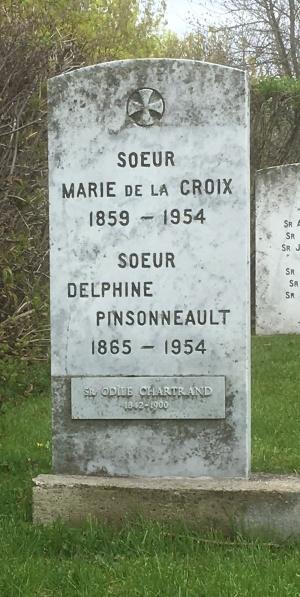 Chartrand, De La Croix, Pinsonneault | Cimetière des Soeurs Grises (Grey Nuns / Sisters of Charity)