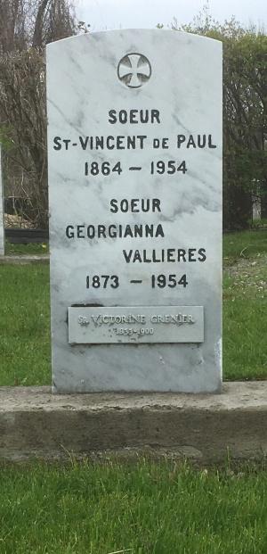Grenier, St. Vincent-de-Paul, Vallieres | Cimetière des Soeurs Grises (Grey Nuns / Sisters of Charity)