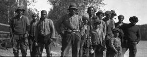 Group of Montagnais men and children | Quebec Metis - 20th century